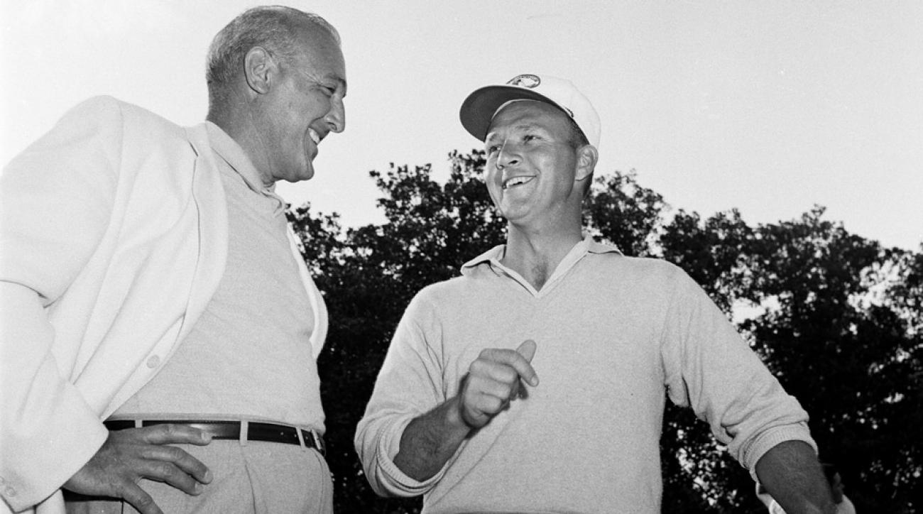 Vic Ghezzi chats with Arnold Palmer at the 1960 Masters.