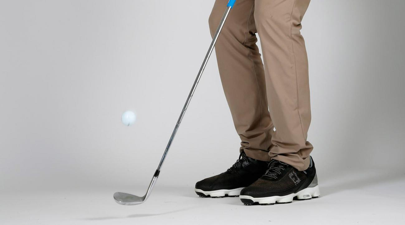 Chip it close with feel using this 30-second fix.