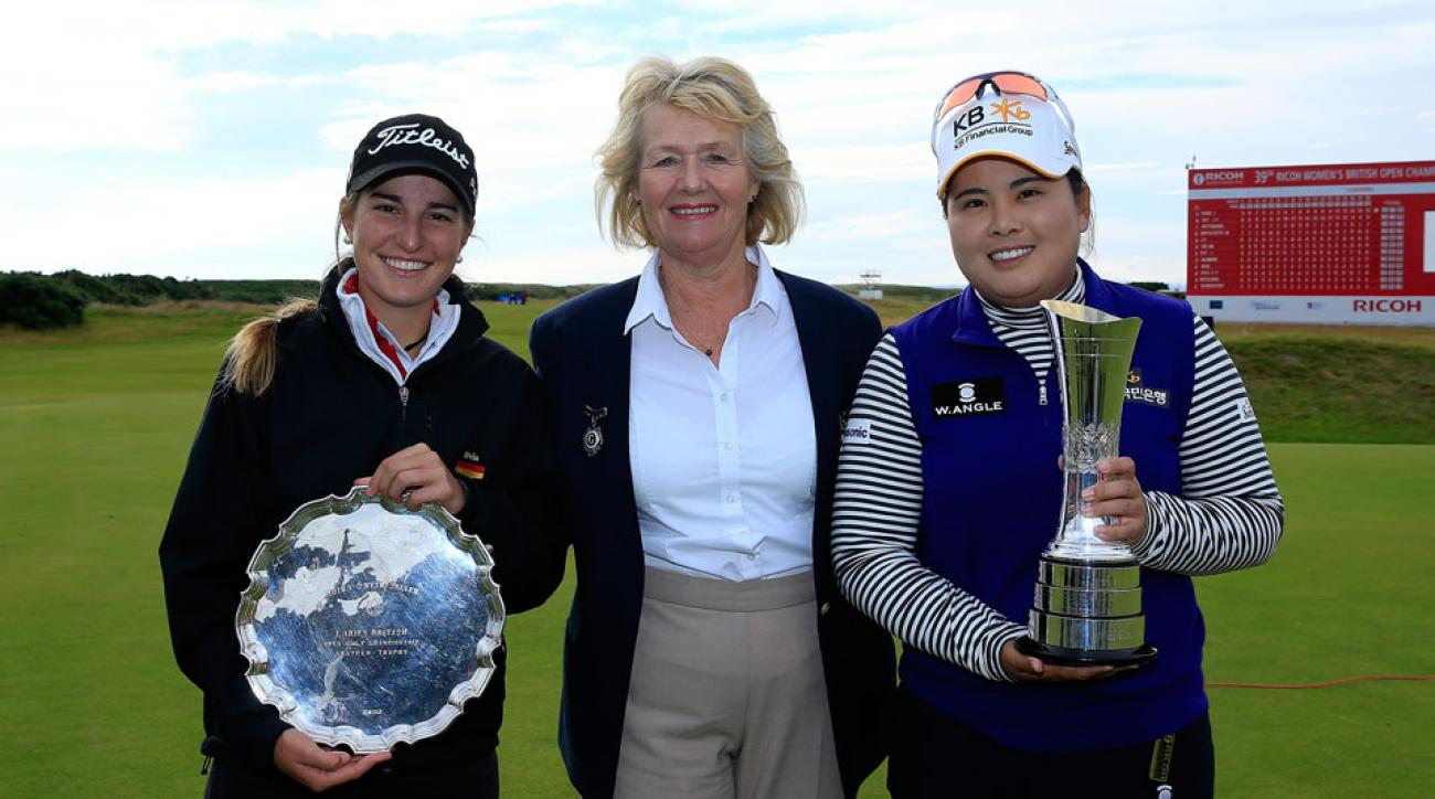 Inbee Park (right) and Luna Sobron (left) pose with Dianne Baily, President of the Ladies Golf Union, at 2015 Ricoh Women's British Open.