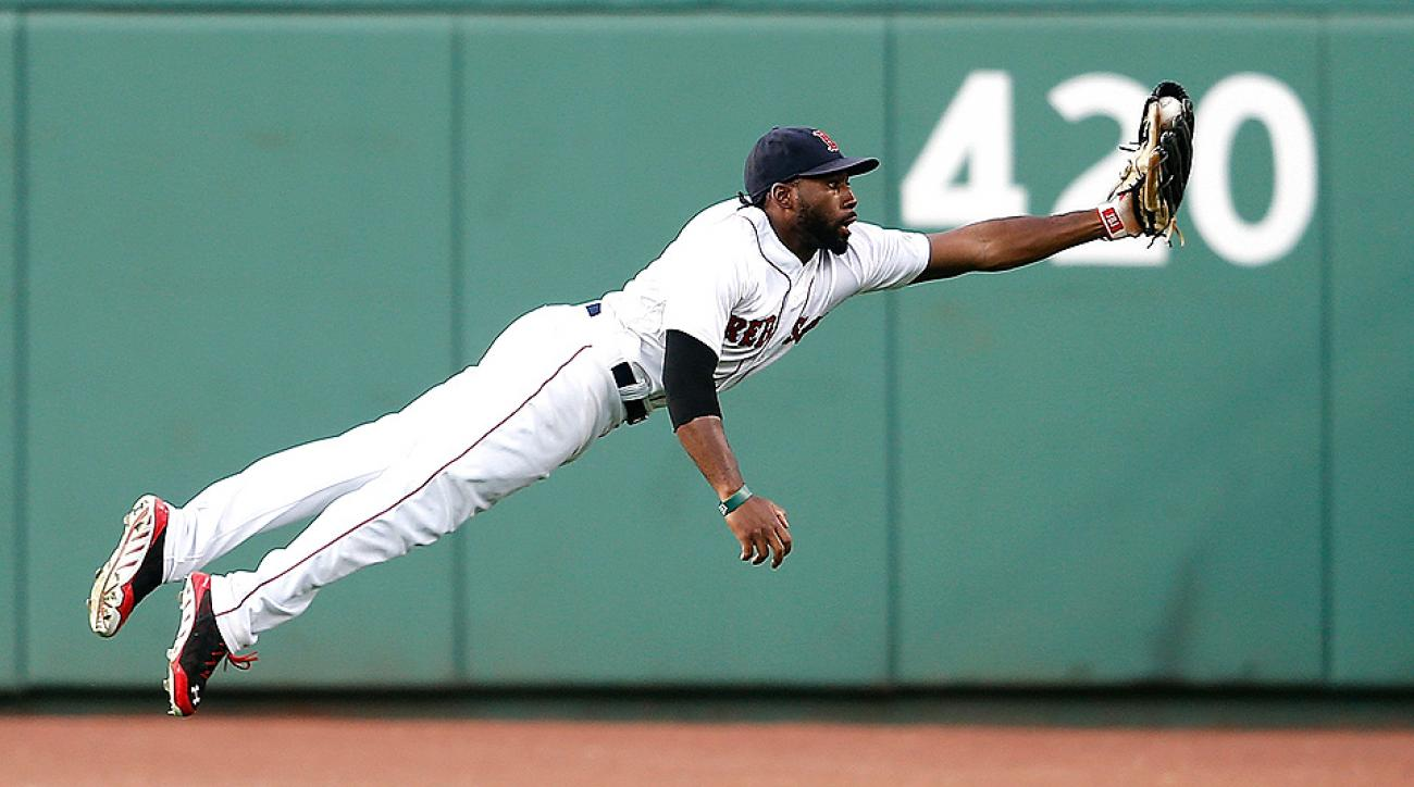 Jackie Bradley Jr. took flight with his diving catch against the White Sox.