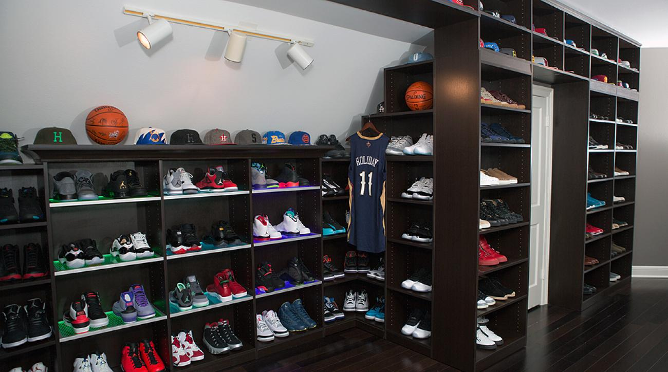 Hawks Star Jeff Teague Takes Sneaker Closet Across State