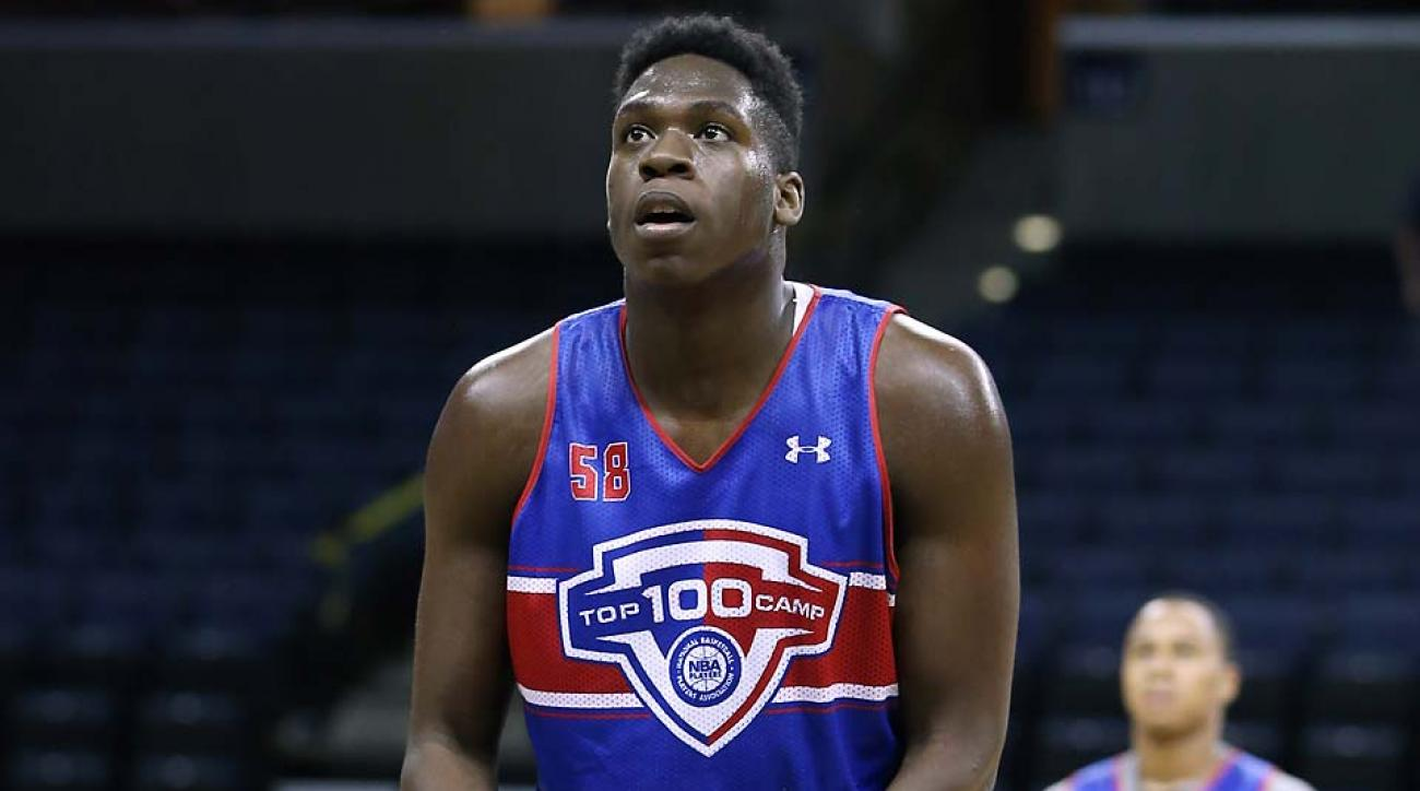 Four-star forward Noah Dickerson commits to Florida