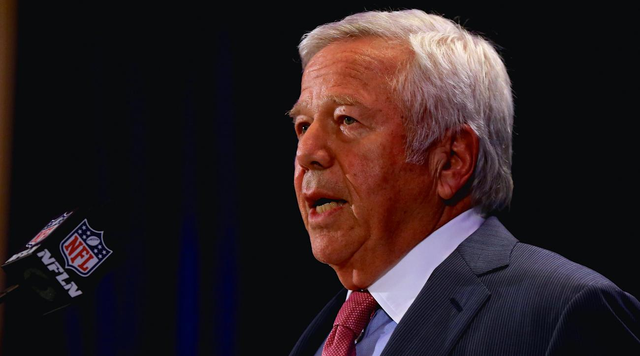 Robert Kraft turns the tables in Deflategate discussion