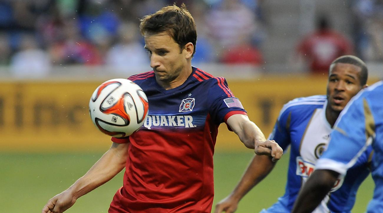 The Chicago Fire's Mike Magee controls the ball during Thursday night's game against the Philadelphia Union.