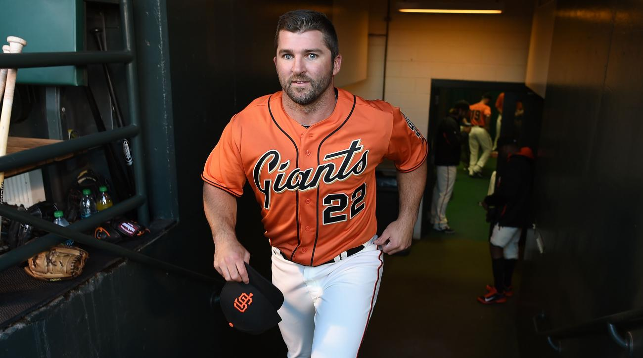 Giants release Dan Uggla