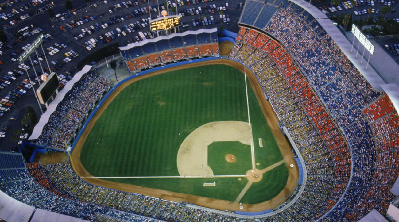 Ballpark Quirks Toronto S Rogers Centre Changed The Game With Retractable Roof Si Com