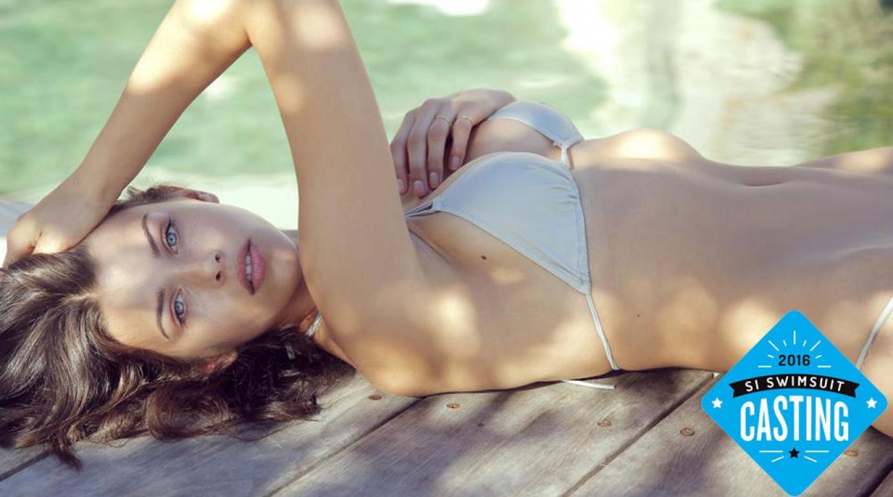 Nikolina Pisek Naked - 7 Photos