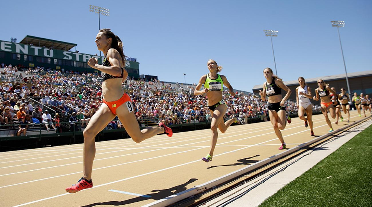 Jenny Simpson leads the pack of runners at the USATF Outdoor Championships in 2014.