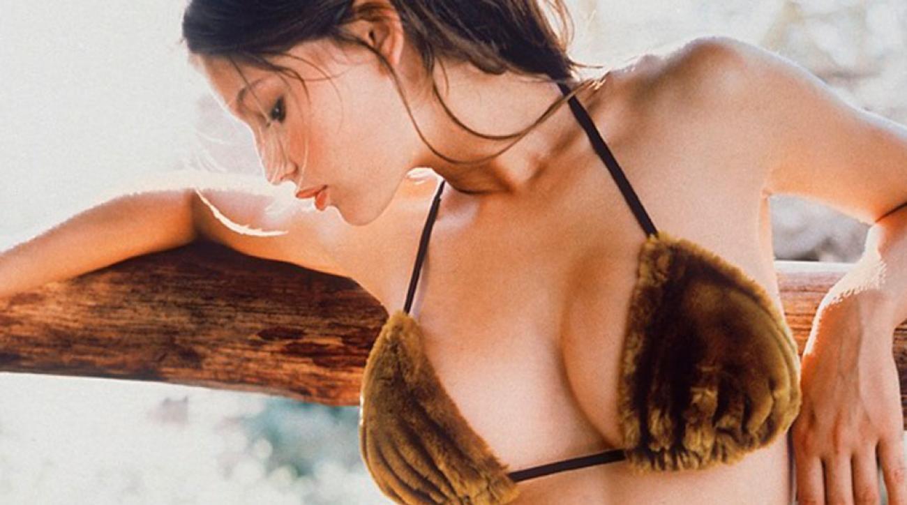 SI Swimsuit 1998, Kenya