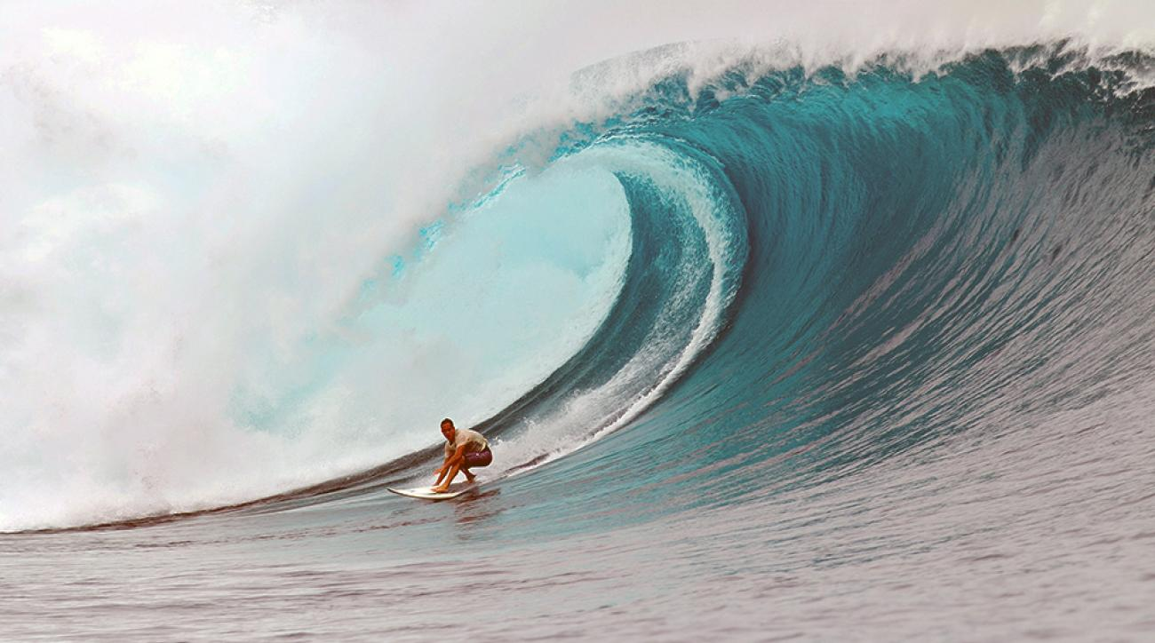 Why Surfing Legend Kelly Slater Still Takes To The Waves SIcom - Guys sets himself on fire before surfing a huge wave