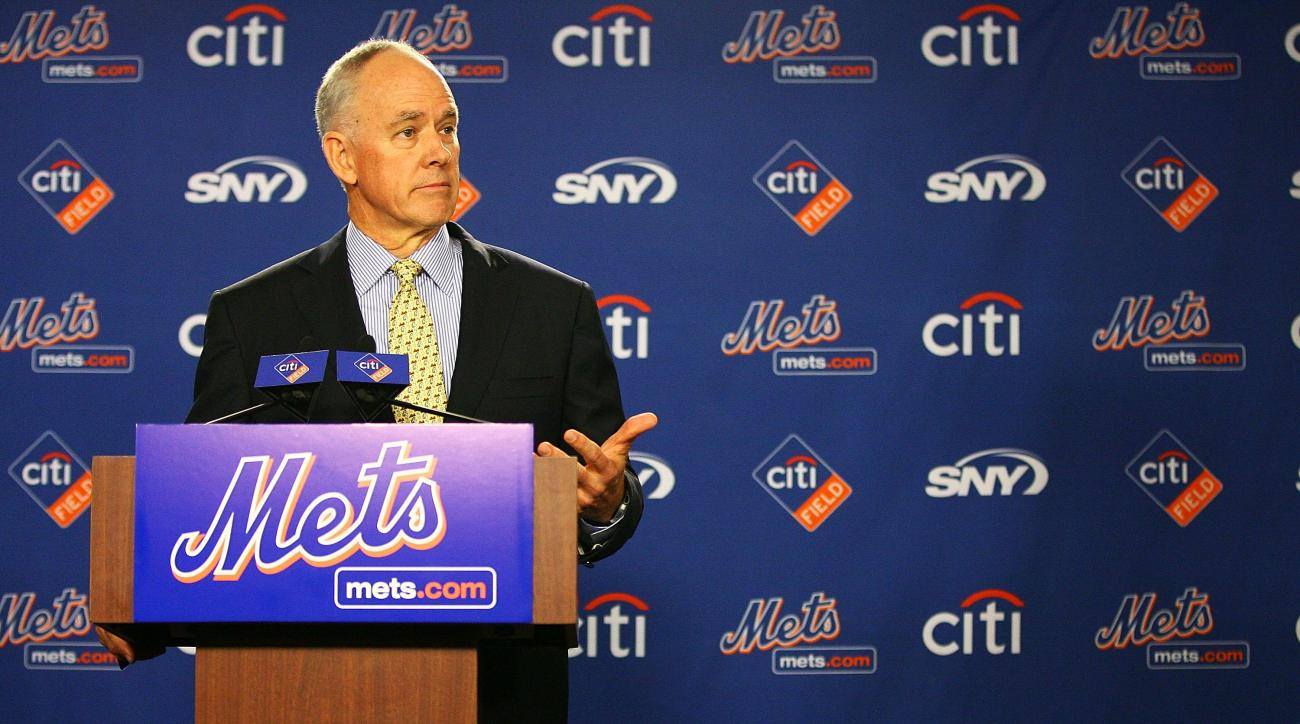 Mets' GM Sandy Alderson reportedly isn't expected to make any moves