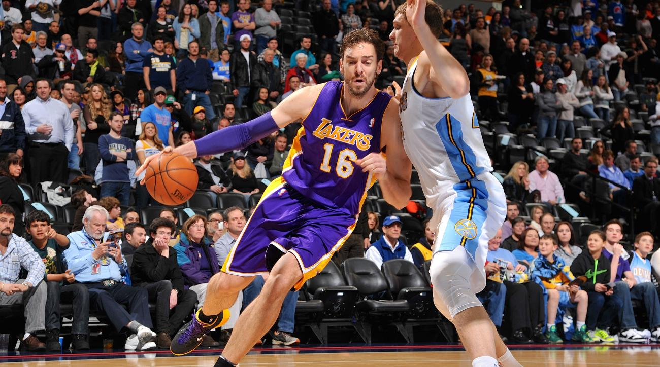 Pau Gasol said on Saturday that he will sign with Chicago after playing seven seasons for the Lakers.