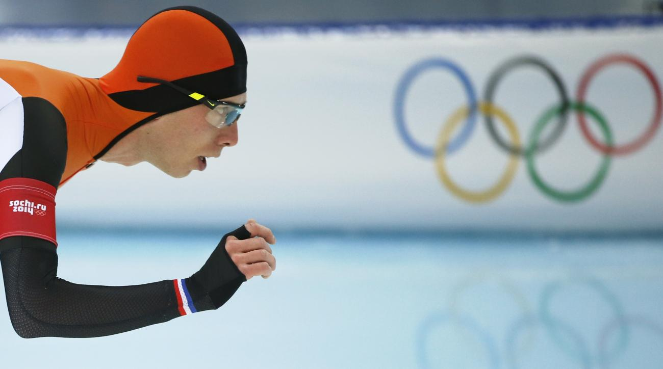 Gold medallist Jorrit Bergsma of the Netherlands competes in the men's 10,000-meter speedskating race at the Adler Arena Skating Center during the 2014 Winter Olympics in Sochi, Russia, Tuesday, Feb. 18, 2014. (AP Photo/Pavel Golovkin)