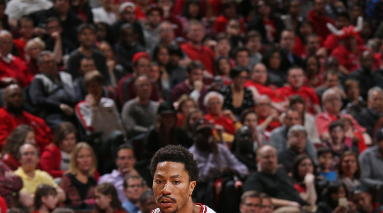 CHICAGO, IL - APRIL 18:  Derrick Rose #1 of the Chicago Bulls handles the ball against the Milwaukee Bucks in Game One of the Eastern Conference Quarterfinals during the NBA Playoffs on April 18, 2015 at the United Center in Chicago, Illinois. (Photo by G