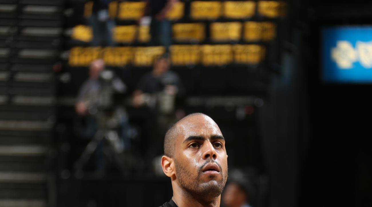 MEMPHIS, TN - APRIL 22: Arron Afflalo #4 of the Portland Trail Blazers prepares for Game Two of the Western Conference Quarterfinals of the NBA Playoffs against the Memphis Grizzlies at FedExForum on April 22, 2015 in Memphis, Tennessee. (Photo by Joe Mur