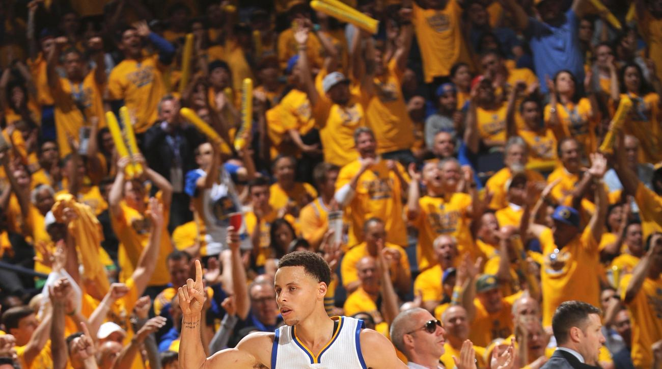 OAKLAND, CA MAY 3:  Stephen Curry #30 of the Golden State Warriors during the game against the Memphis Grizzlies in Game One of the Western Conference Semifinals of the 2015 NBA Playoffs on May 3, 2015 at Oracle Arena in Oakland, California. (Photo by Noa