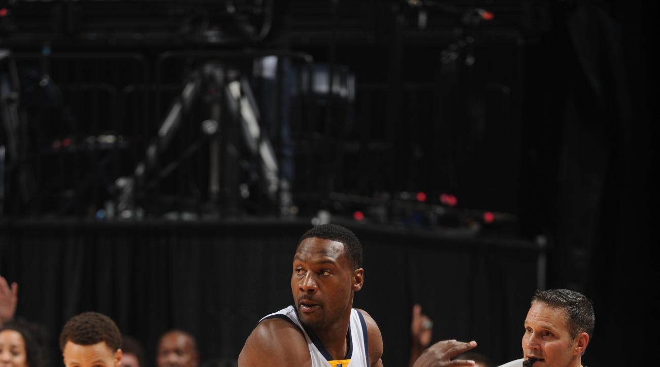 MEMPHIS, TN - MAY 9:  Tony Allen #9 of the Memphis Grizzlies drives to the basket against the Golden State Warriors in Game Three of the Western Conference Semifinals during the 2015 NBA Playoffs on May 9, 2015 at the FedExForum in Memphis, Tennessee.  (P