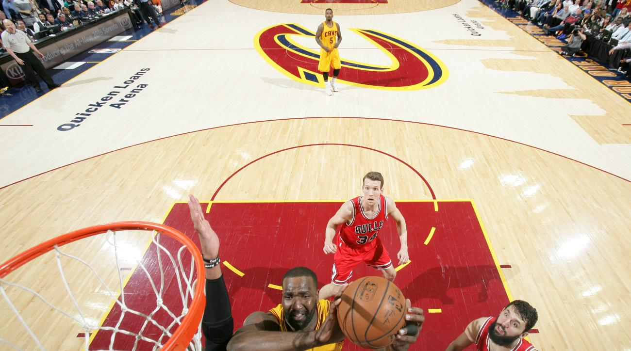 CLEVELAND, OH - MAY 12:  Kendrick Perkins #3 of the Cleveland Cavaliers drives to the basket against the Chicago Bulls in Game Five of the Eastern Conference Semifinals of the NBA Playoffs at The Quicken Loans Arena on May 12, 2015 in Cleveland, Ohio. (Ph