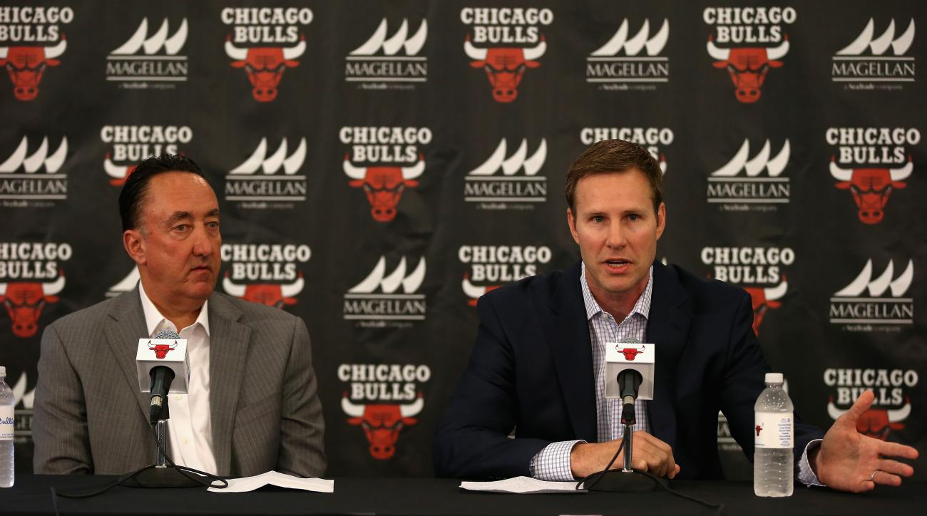 CHICAGO, IL - JUNE 02: New Chicago Bulls coach Fred Hoiberg (R) speaks at a press conference with General Manager Gar Forman at the Advocate Center on June 2, 2015 in Chicago, Illinois. (Photo by Jonathan Daniel/Getty Images)