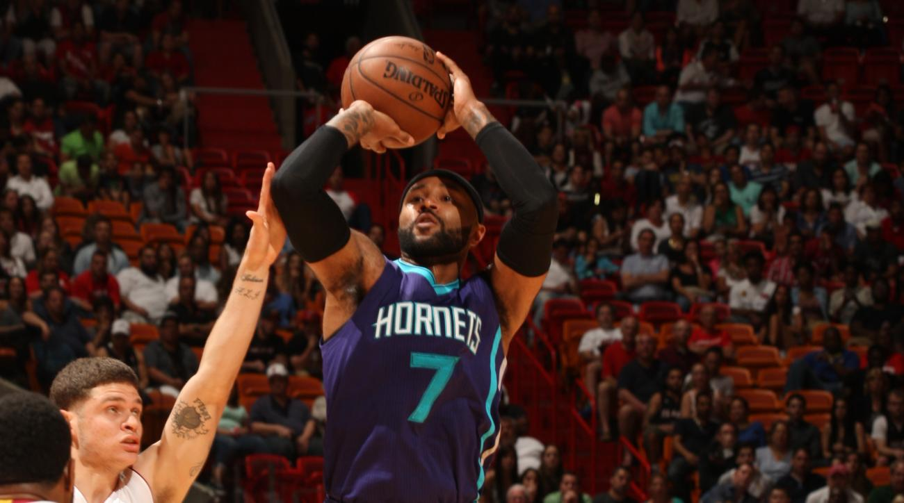 MIAMI, FL - APRIL 7:  Mo Williams #7 of the Charlotte Hornets shoots against the Miami Heat on April 7, 2015 at American Airlines Arena in Miami, Florida.  (Photo by Oscar Baldizon/NBAE via Getty Images)