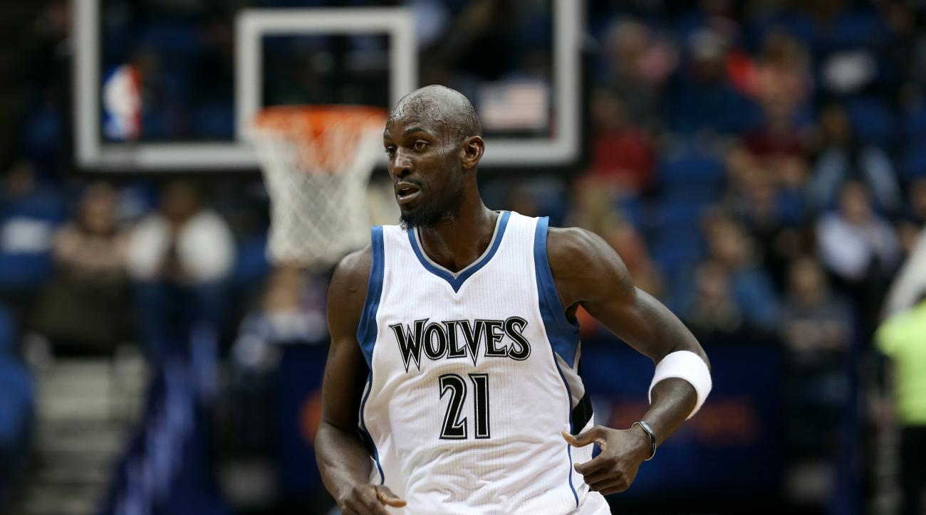 MINNEAPOLIS, MN - MARCH 4: Kevin Garnett #21 of the Minnesota Timberwolves runs down the court during a game against the Denver Nuggets on March 4, 2015 at Target Center in Minneapolis, Minnesota. (Photo by Jordan Johnson/NBAE via Getty Images)