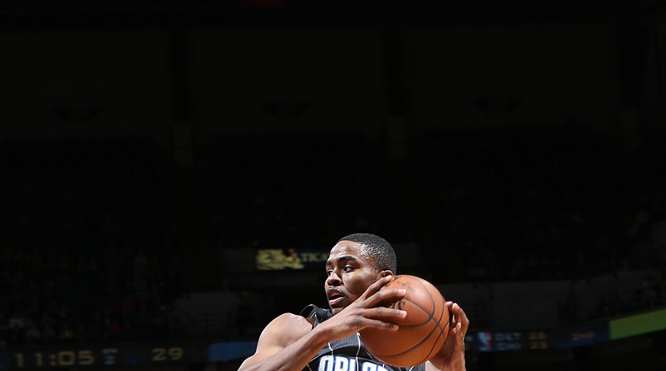 MINNEAPOLIS, MN - APRIL 3:  Maurice Harkless #21 of the Orlando Magic handles the ball against the Minnesota Timberwolves on April 3, 2015 at Target Center in Minneapolis, Minnesota. (Photo by David Sherman/NBAE via Getty Images)