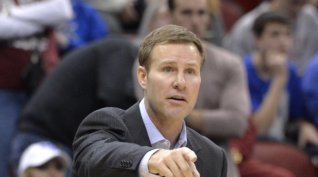 Iowa State head coach Fred Hoiberg directs his team during the second half against UAB in the second round of the NCAA college basketball tournament in Louisville, Ky., Thursday, March 19, 2015. UAB won 60-59. (AP Photo/Timothy D. Easley)