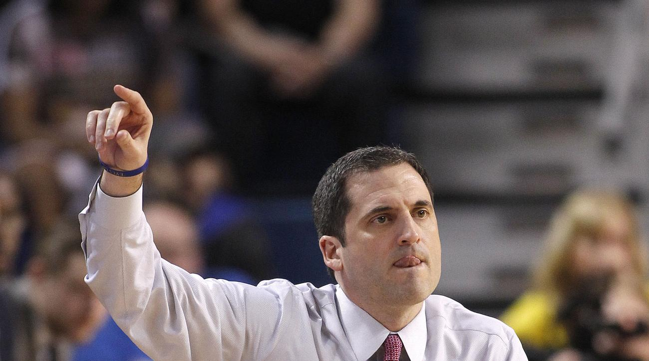 Murray State head coach Steve Prohm signals to his team in the first half of an NCAA college basketball game against Tulsa during the National Invitation Tournament, Monday, March 23, 2015, in Tulsa, Okla. (AP Photo/Dave Crenshaw)