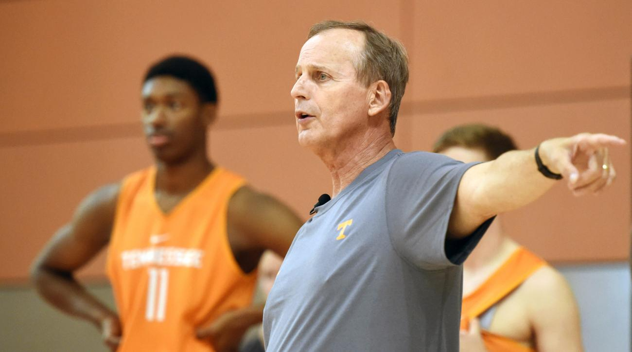Tennessee head coach Rick Barnes instructs players during an NCAA college basketball practice in Knoxville, Tenn., Tuesday, Oct. 6, 2015. (Adam Lau/Knoxville News Sentinel via AP) MANDATORY CREDIT