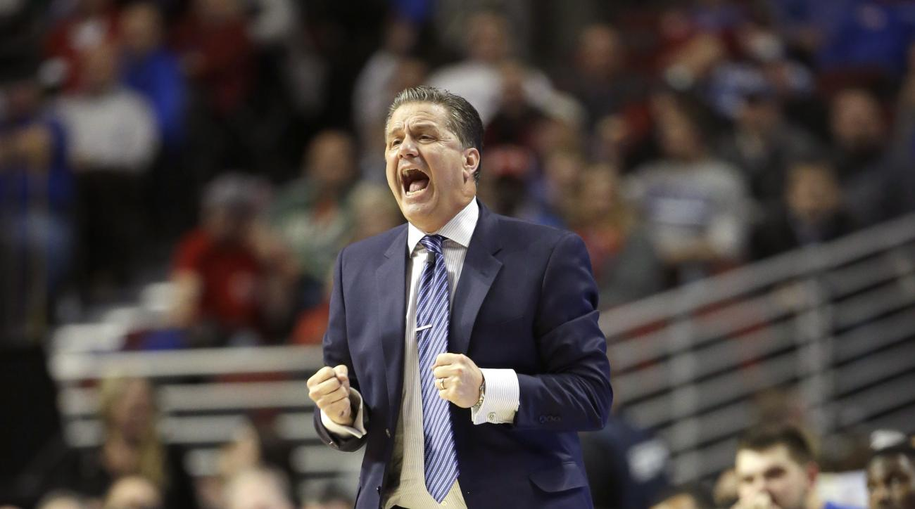 Kentucky head coach John Calipari reacts during the first half of an NCAA basketball game against the Duke Tuesday, Nov. 17, 2015, in Chicago. (AP Photo/Nam Y. Huh)