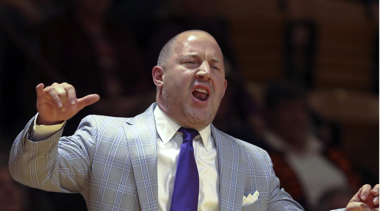 Virginia Tech coach Buzz Williams reacts to play during the first half against North Carolina A&T in an NCAA college basketball game in Blacksburg, Va.,Tuesday, Nov. 24, 2015. (Matt Gentry/The Roanoke Times via AP)