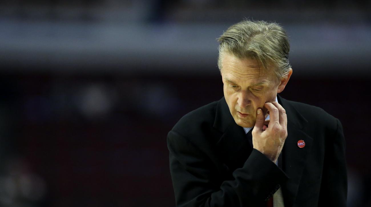 Illinois-Chicago head coach Steve McClain reacts as he watches his team during the second half of an NCAA college basketball game against Illinois on Saturday, Dec. 12, 2015, in Chicago. Illinois won 83-79. (AP Photo/Nam Y. Huh)