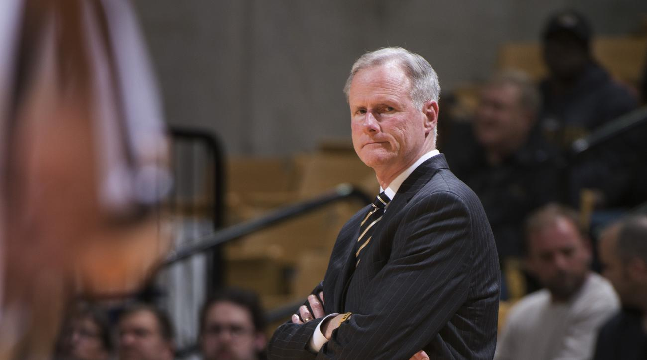 Missouri coach Kim Anderson watches his team play during the second half of an NCAA college basketball game against Arkansas, Tuesday, Jan. 12, 2016, in Columbia, Mo. Arkansas won 94-61. (AP Photo/L.G. Patterson)