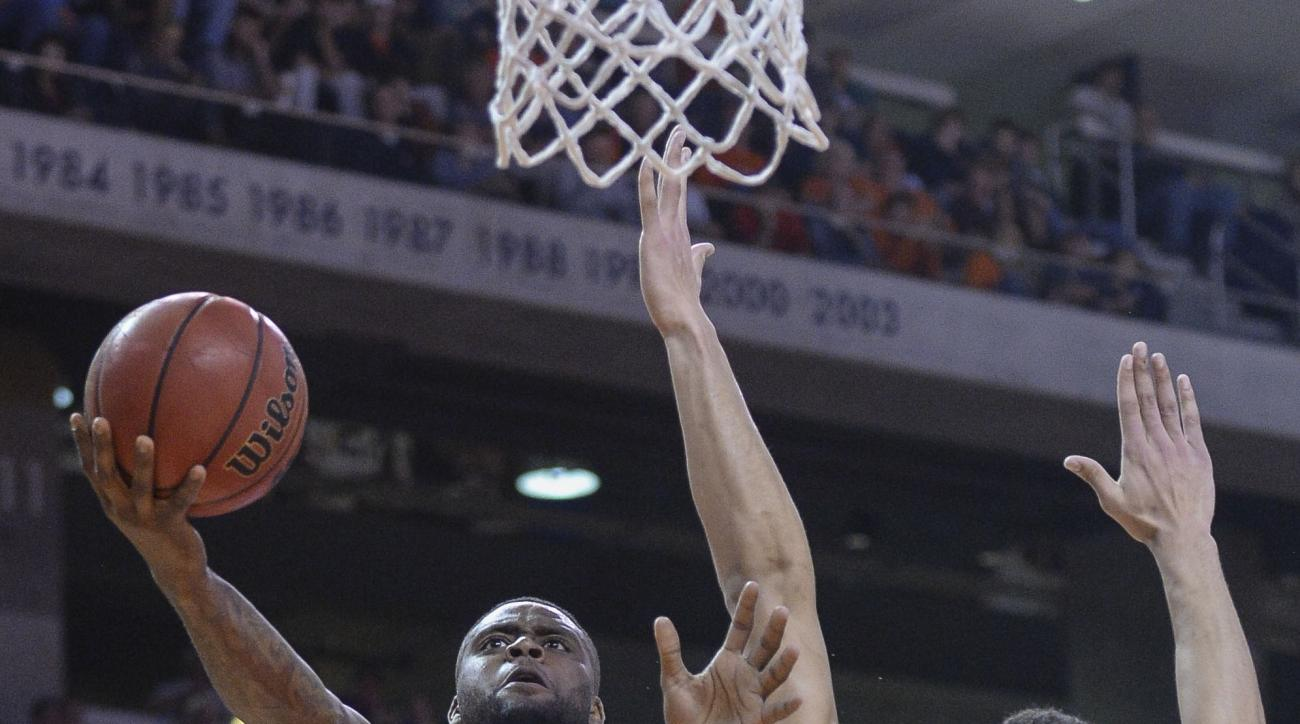 LSU forward Ben Simmons (25) defends a shot by Auburn forward Cinmeon Bowers (5) Tuesday, Feb. 2, 2016, during the second half of an NCAA college basketball game at Auburn Arena in Auburn, Ala. (Julie Bennett/AL.com via AP) MAGS OUT; MANDATORY CREDIT