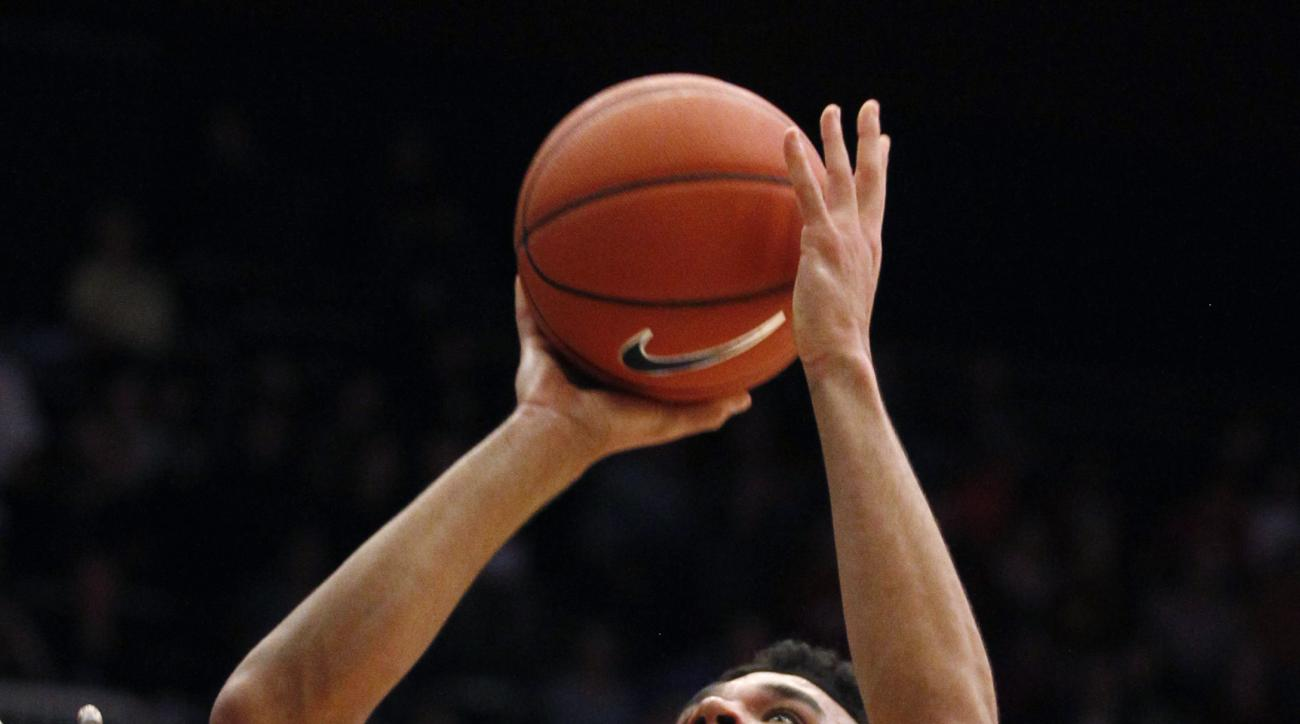 Stanford's Dorian Pickens shoots against Southern California during the first half of an NCAA college basketball game Thursday, Feb. 25, 2016, in Stanford, Calif. (AP Photo/George Nikitin)