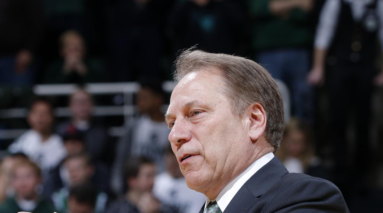 Michigan State coach Tom Izzo address the crowd during senior day ceremonies following an NCAA college basketball game against Ohio State, Saturday, March 5, 2016, in East Lansing, Mich. Michigan State won 91-76. (AP Photo/Al Goldis)