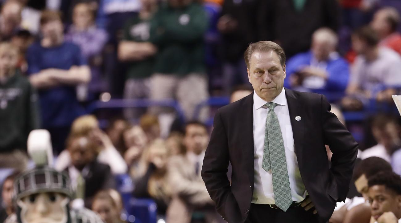 Michigan State head coach Tom Izzo watches during the final moments of a first-round men's college basketball game against Middle Tennessee in the NCAA Tournament, Friday, March 18, 2016, in St. Louis. Middle Tennessee won 90-81. (AP Photo/Charlie Riedel)