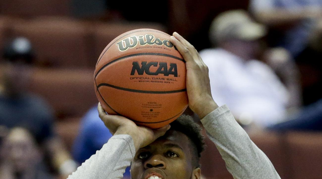 Oklahoma's Buddy Hield takes a shot during college basketball practice in Anaheim, Calif., Wednesday, March 23, 2016. Oklahoma plays against Texas A&M in a regional semifinal game in the NCAA Tournament on Thursday. (AP Photo/Chris Carlson)