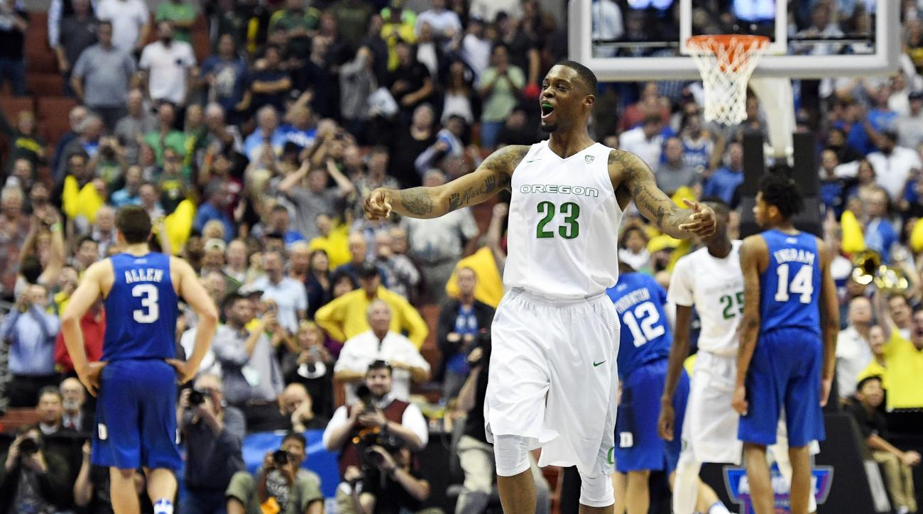 Oregon forward Elgin Cook celebrates after their win against Duke during an NCAA college basketball game in the regional semifinals of the NCAA Tournament, Thursday, March 24, 2016, in Anaheim, Calif. (AP Photo/Mark J. Terrill)