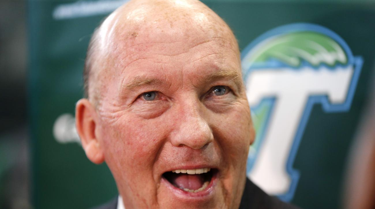 Tulane's new men's basketball coach Mike Dunleavy talks to reporters during an NCAA college basketball news conference introducing him, Tuesday, March 29, 2016, in New Orleans. (AP Photo/Gerald Herbert)