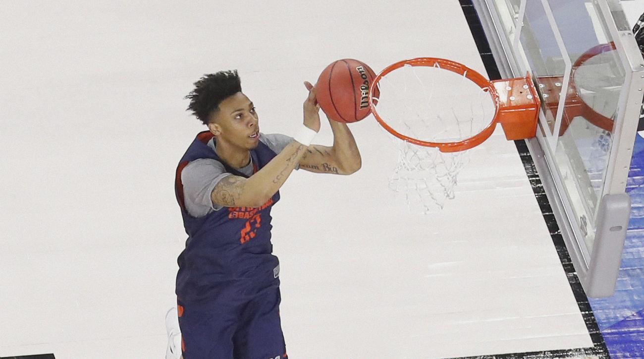 Syracuse's Malachi Richardson shoots during a practice session for the NCAA Final Four college basketball tournament Friday, April 1, 2016, in Houston. (AP Photo/Michael Simmons)
