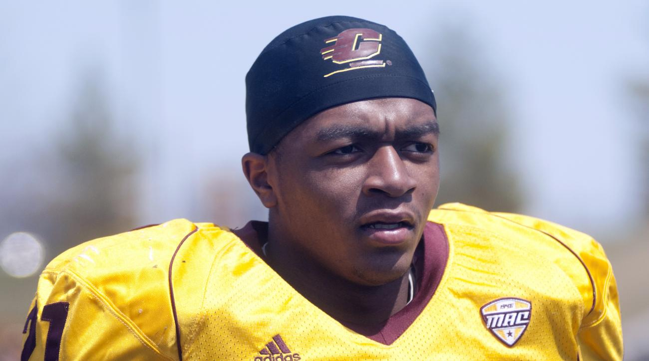 In this photo taken April 19, 2014, Central Michigan cornerback Derrick Nash prepares for their spring NCAA college football game at Kelly/Shorts Stadium in Mount Pleasant, Mich. Nash, who was diagnosed with leukemia in 2013 when he was still in high scho