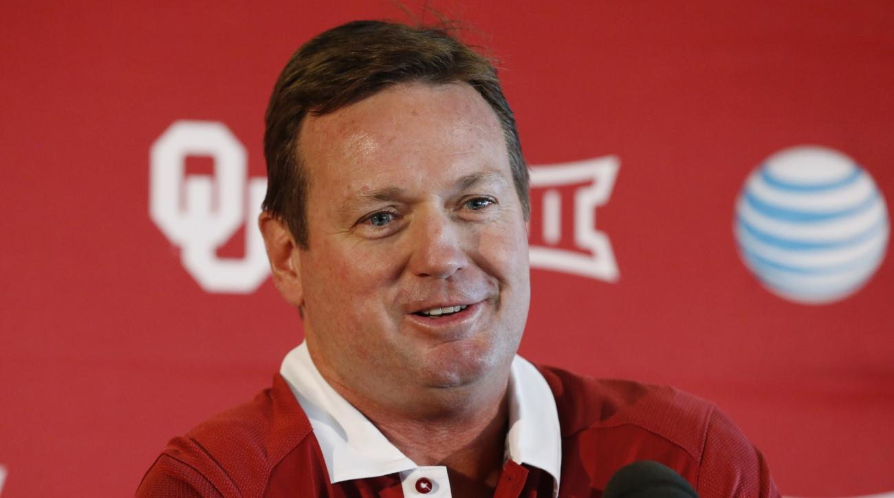 Oklahoma head coach Bob Stoops smiles as he answers a question during NCAA college football media day in Norman, Okla., Saturday, Aug. 8, 2015. (AP Photo/Sue Ogrocki)