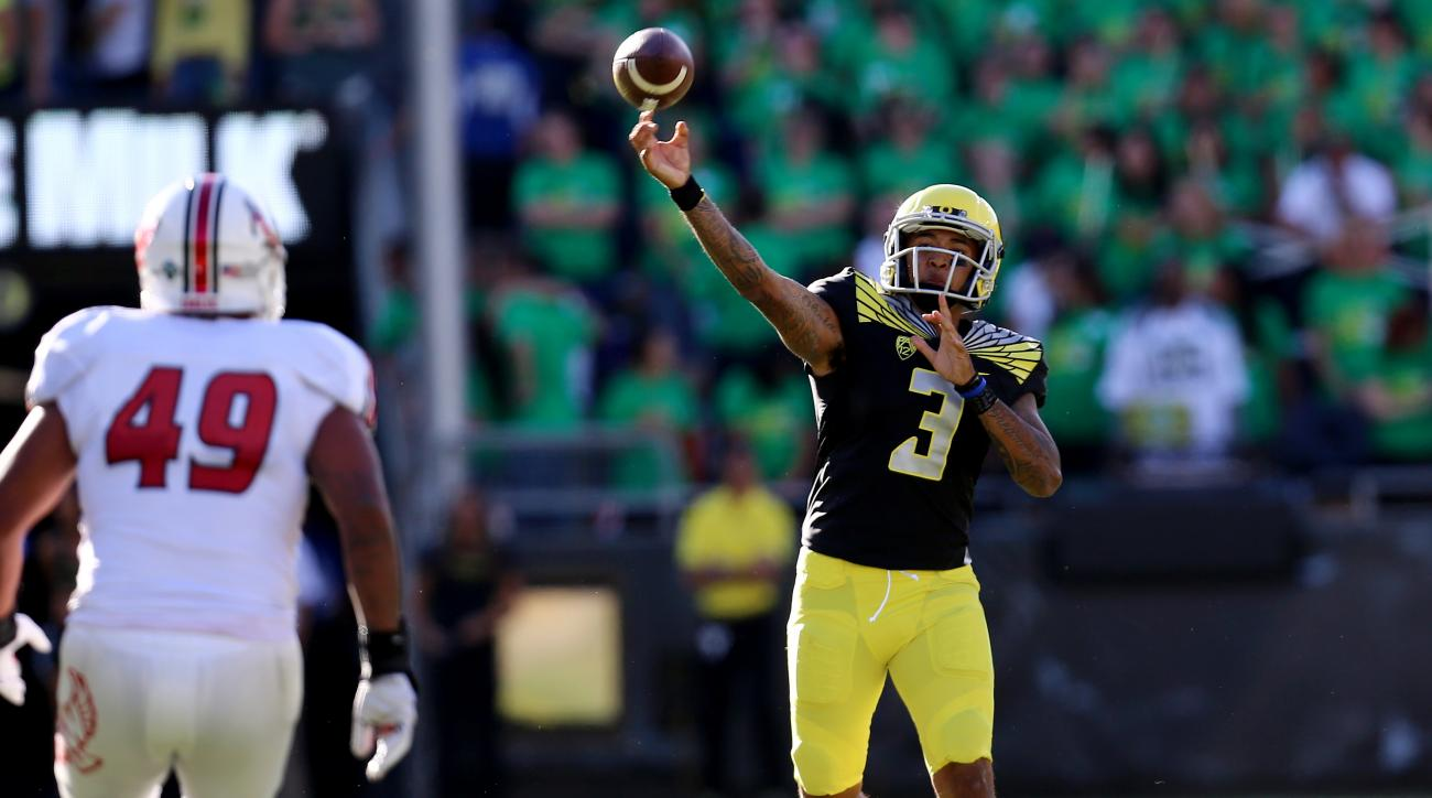 Oregon quarterback Vernon Adams Jr. (3) throws the football during the second quarter of an NCAA college football game against Eastern Washington Saturday, Sept. 5, 2015, in Eugene, Ore. (AP Photo/Ryan Kang)