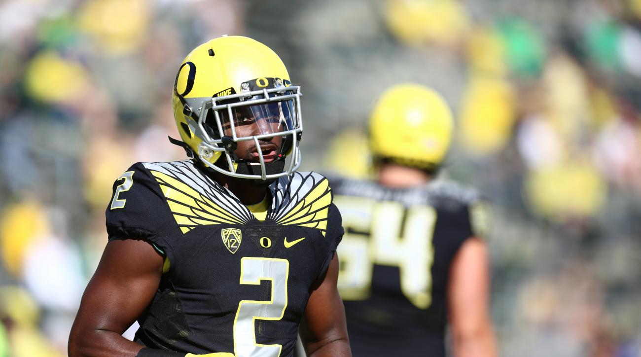 FILE - In this Sept. 5, 2015, file photo, Oregon wide receiver Bralon Addison warms up before an NCAA college football game against Eastern Washington in Eugene, Ore.  Oregon's receiver, who sat out last season because of injury, was named the Pac-12's Pl