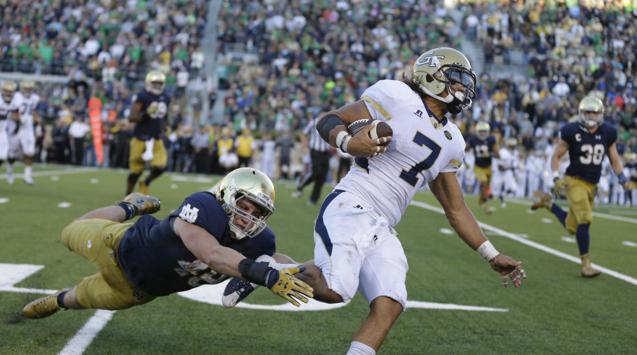 Georgia Tech's Patrick Skov gets past Notre Dame linebacker Greer Martini (48) to score a touchdown during the second half of an NCAA college football game in South Bend, Ind., Saturday, Sept. 19, 2015. Notre Dame defeated Georgia Tech 30-22. (AP Photo/Mi