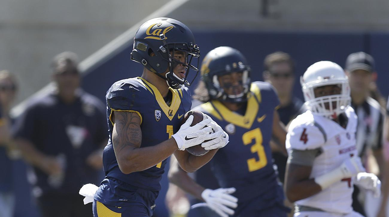 California's Bryce Treggs, left, scores a touchdown against Washington State during the first half of an NCAA college football game Saturday, Oct. 3, 2015, in Berkeley, Calif. (AP Photo/Ben Margot)