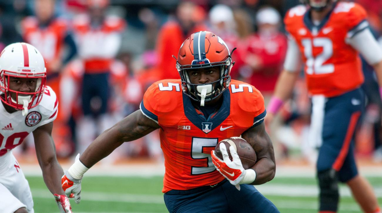 Illinois running back Ke'Shawn Vaughn (5) runs the ball during the first quarter of an NCAA football game against Nebraska Saturday, Oct. 3, 2015, at Memorial Stadium in Champaign, Ill.  (AP Photo/Bradley Leeb)