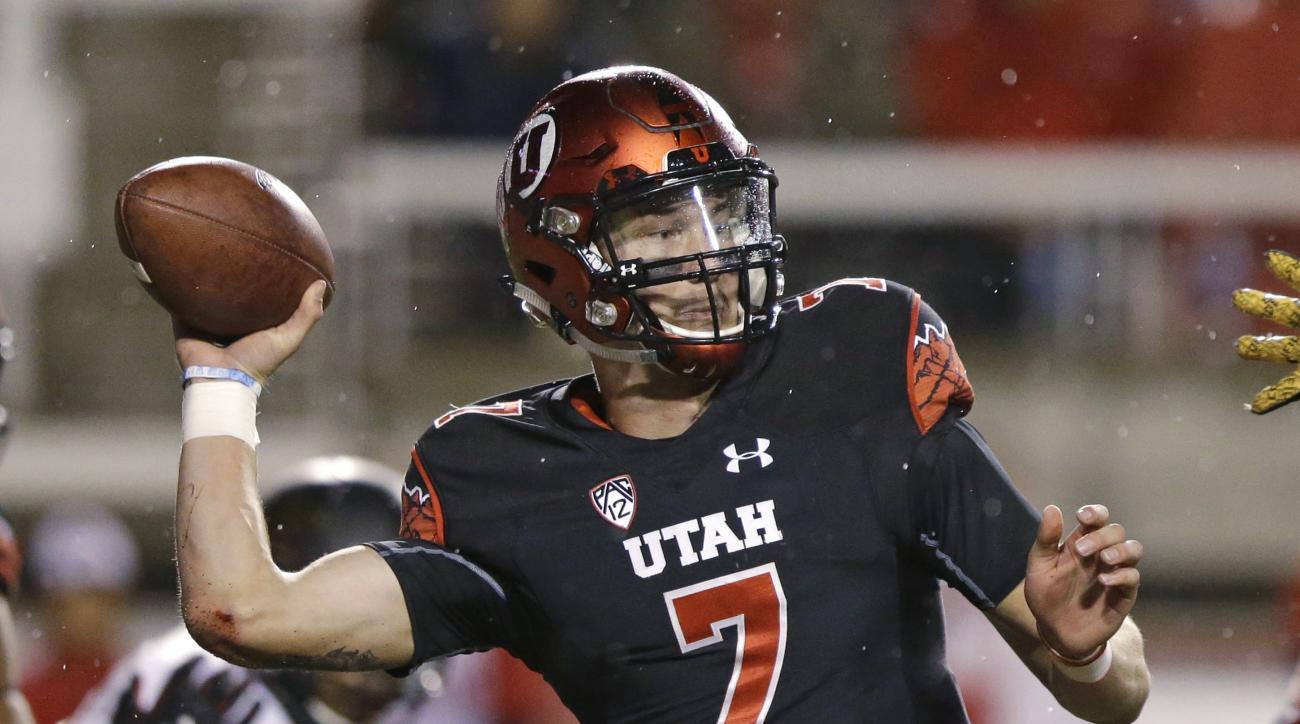 Utah quarterback Travis Wilson (7) passes the ball in the first half during an NCAA college football game against Arizona State Saturday, Oct. 17, 2015, in Salt Lake City. (AP Photo/Rick Bowmer)