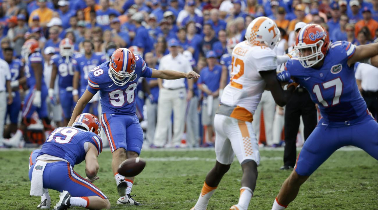Florida place kicker Jorge Powell (98) kicks an extra point against Tennessee during the second half of an NCAA college football game, Saturday, Sept. 26, 2015, in Gainesville, Fla. (AP Photo/John Raoux)